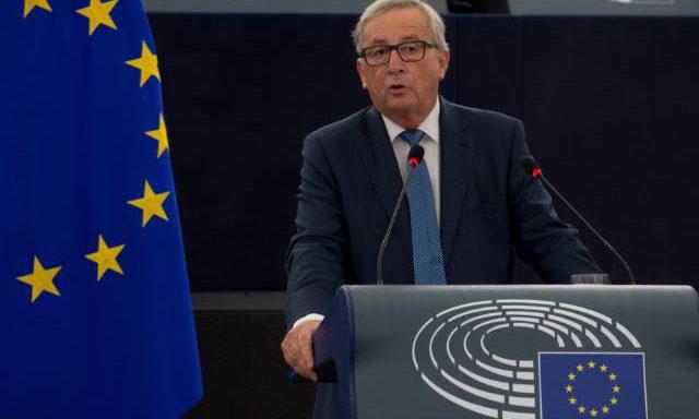 UE revê legislação das comunicações