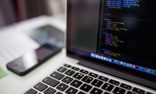 OutSystems abre portas à inteligência artificial e à Internet das Coisas