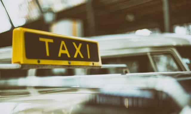 Pagamentos eletrónicos chegam em força aos táxis lisboetas