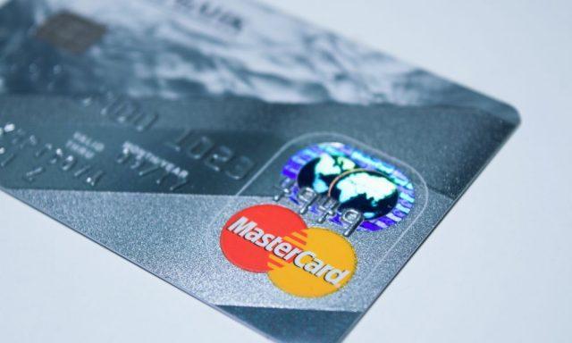 Mastercard multada em 570 M€ pela Comissão Europeia
