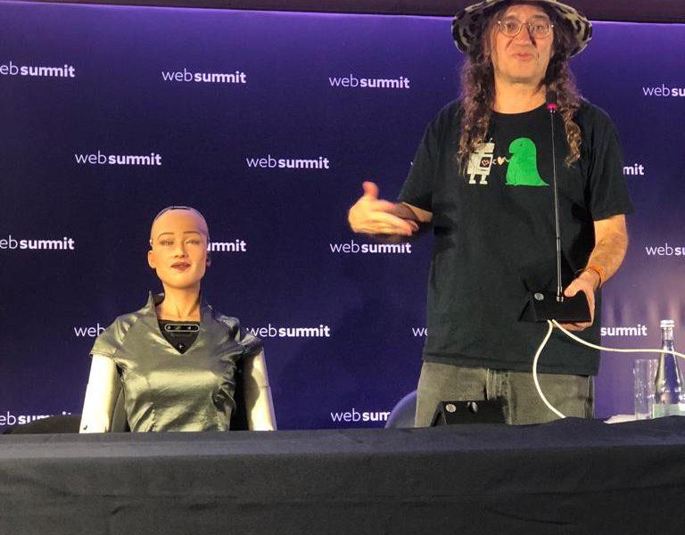 "Sophia: A robot que está a ""evangelizar"" o mundo para a inteligência artificial"