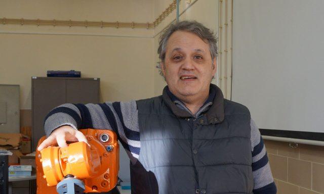 Universidade de Coimbra cria ferramenta inovadora para programar robots industriais