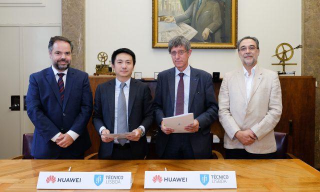 Engenheiros do IST com apoio da  Huawei