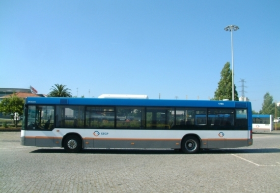 Testes com autocarros sem condutor avançam no Porto já este outono
